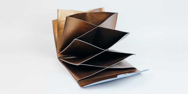 accordion envelope Bon-Bon x Niyona